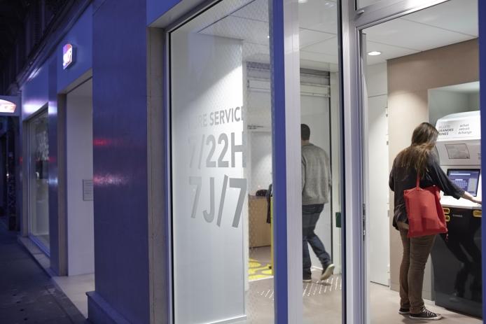 La nouvelle SCNF boutique de Magenta à Paris