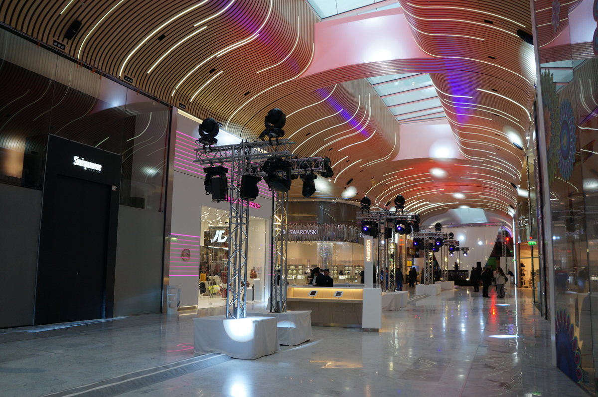 Inauguration du centre commercial a roville urban attitude - Le centre commercial aeroville ...