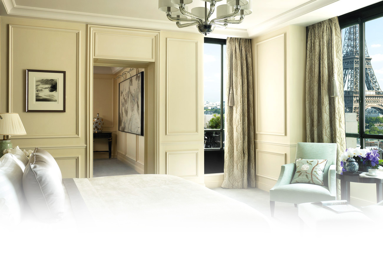 SLPR-Bg-Rooms-Suites-La-Suite-Chaillot