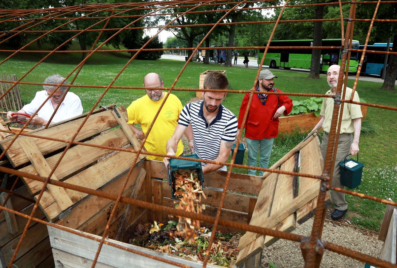 Compost Ville Urban Attitude 2
