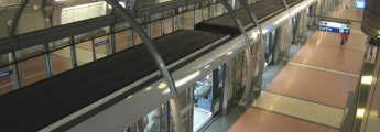 photo metro arrêté en station